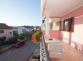 Hotel Photo: Apartments Paola