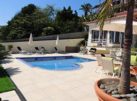 Hotel Photo: Studio Flat with Pool
