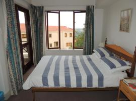 Hotel Photo: Castleton Vacation Apt. No. 39A