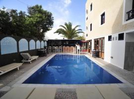 A picture of the hotel: Anny Studios Perissa Beach