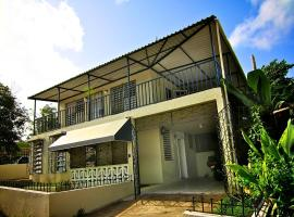 A picture of the hotel: Santa Juanita 3 Bedroom Home