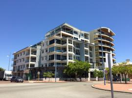 A picture of the hotel: Spinnakers by Rockingham Apartments