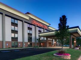 A picture of the hotel: Hampton Inn Madison East Towne Mall Area