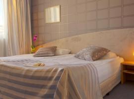 Hotel Photo: Triada Hotel