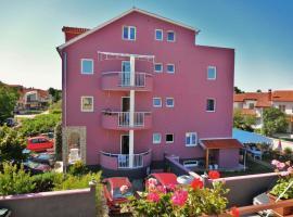 Hotel photo: Apartments & Rooms Nikolić