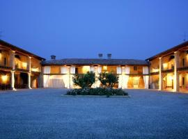 Hotel near לומברדיה