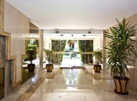Fotos de Hotel: L'Azur Promenade