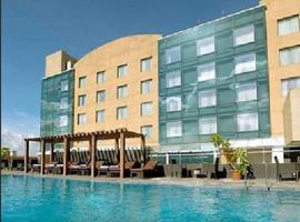 호텔 사진: Royal Orchid Central, Pune