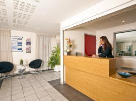 Hotel photo: Séjours & Affaires Rennes Villa Camilla