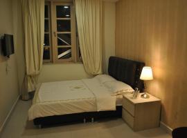 Hotel photo: Jayleen Clarke Quay Hotel
