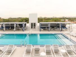 호텔 사진: Pelicanstay in Coconut Grove Miami
