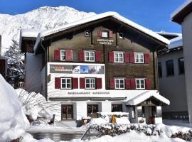 Foto di Hotel: Adventure Hostel