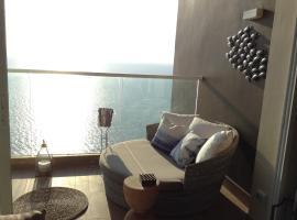 A picture of the hotel: Beachfront Stylish Luxury Jomtien