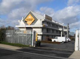Hotel near Cergy-Pontoise