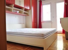 酒店照片: Fushe Kosove Apartment