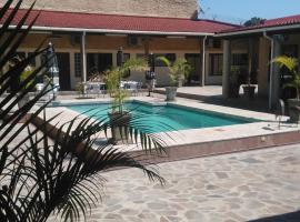 Hotel photo: Palmeiras Guest House Matola