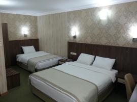 होटल की एक तस्वीर: Hosta Otel
