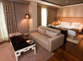 Hotel photo: Nexus Valladolid Suites & Hotel