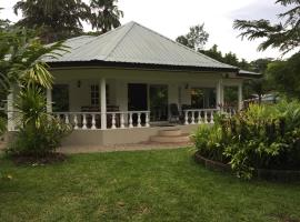 A picture of the hotel: Skyblue Guesthouse - Self Catering