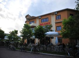 A picture of the hotel: Hotel Blini