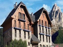 Hotel photo: Apartahotel Tres Quiñones