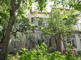 Hotel Foto: Lotus Garden Hostel Izmir