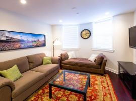 Hotel Foto: 652 Massachusetts Avenue by Short Term Rentals Boston