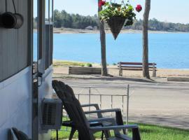 Hotel Photo: Balm Beach Resort and Motel