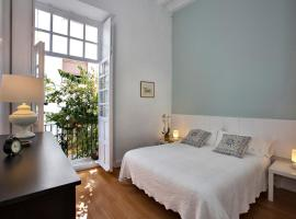 Hotel photo: Stylish Old Town apartment