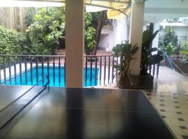 Hotel near Eloy Alfaro