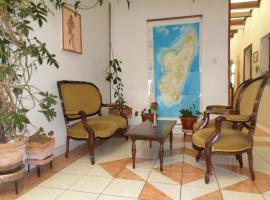 Hotel photo: TANA-JACARANDA