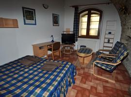 Hotel Photo: Penzion Na Hradbách