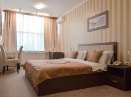 מלון צילום: Garni Hotel Ema