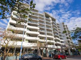 A picture of the hotel: Nautilus by Rockingham Apartments