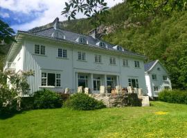 A picture of the hotel: Rjukan Admini Hotel