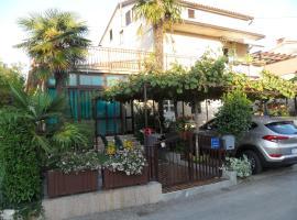 Hotel photo: Marija Rooms & Apartments