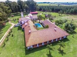 Hotel Photo: Estancia Pinos de la Quebrada