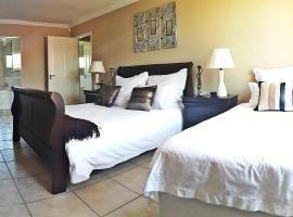Hotel photo: 7 On Joycelyn