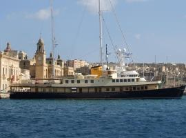 Hotel Photo: Seagull II Luxury Historic Static Charter