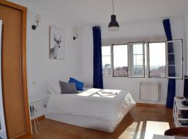 A picture of the hotel: Panoramic Charming Studio