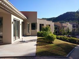 Hotel Photo: Quinta da Martinela Ferreira Do Zêzere