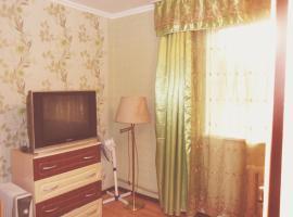 酒店照片: Apartment on Zakarpatskaya Street
