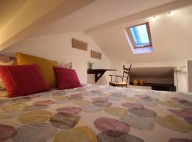 Hotel photo: Duplex de charme proche de Versailles et Paris