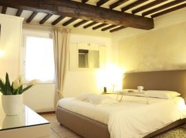 A picture of the hotel: ComeCasaTua - il Vicoletto