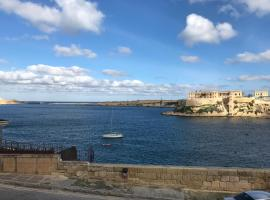 Hotel Photo: Grand Harbour View