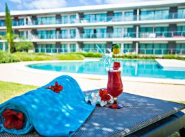 Hotel photo: Serenity Pool View Apartment