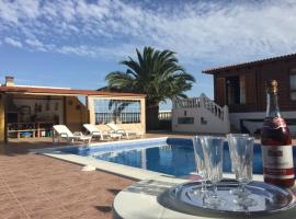 Ξενοδοχείο φωτογραφία: Casa Madera Vistas Mar y Montaña