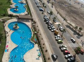 A picture of the hotel: Apartamentos frente a la playa