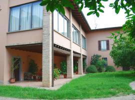 Hotel photo: Spacious Villa in Capriolo near Lake