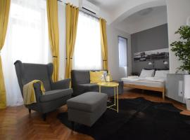 Hotel photo: Creative Apartment - Chain Bridge